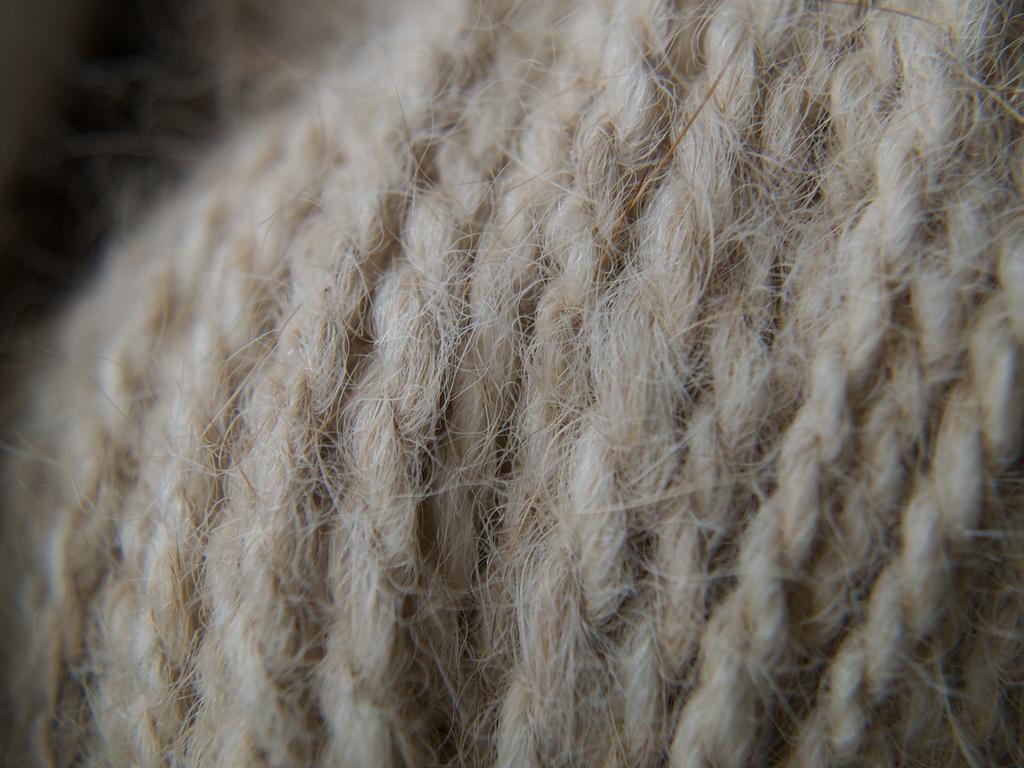Zeus yarn