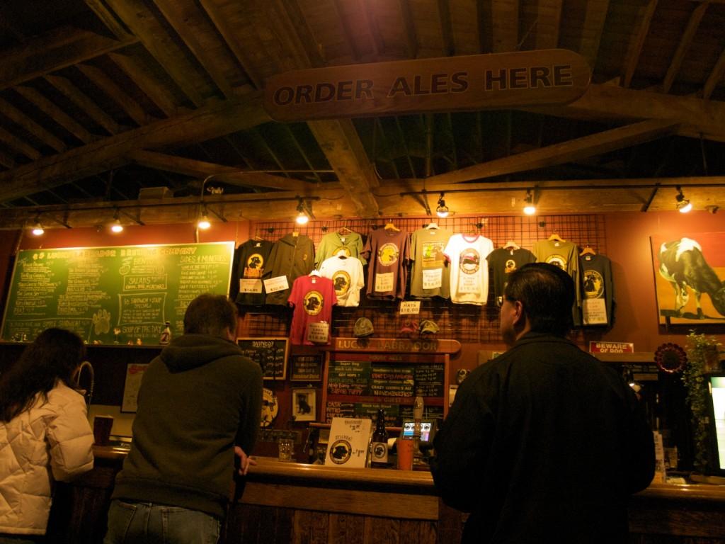 Lucky Labrador Brew Pub on Hawthorne in Portland